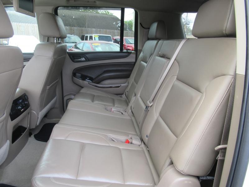 Chevrolet Suburban 2016 price $4,995