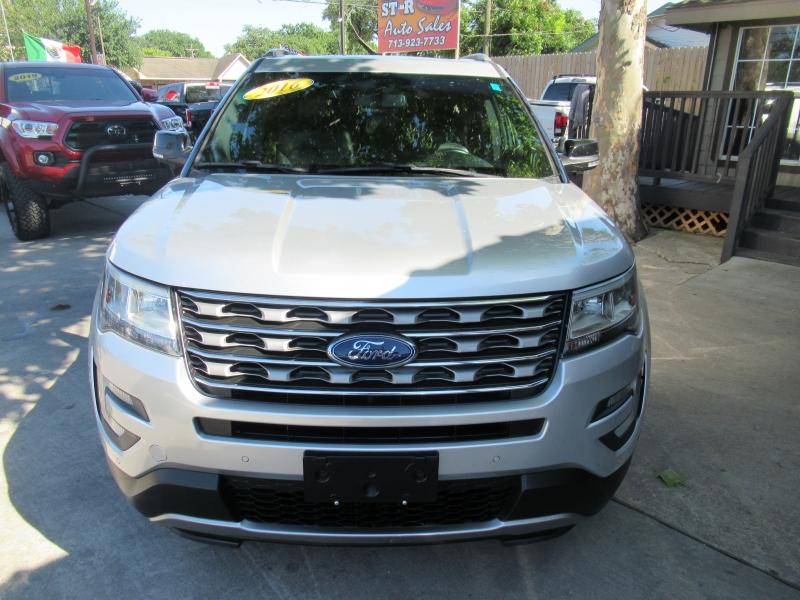 Ford Explorer 2016 price $2,995