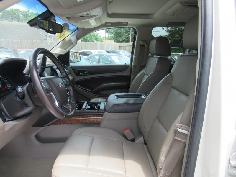 Chevrolet Suburban 2015 price $4,500 Down