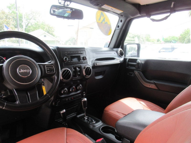 Jeep Wrangler Unlimited 2017 price $6,800