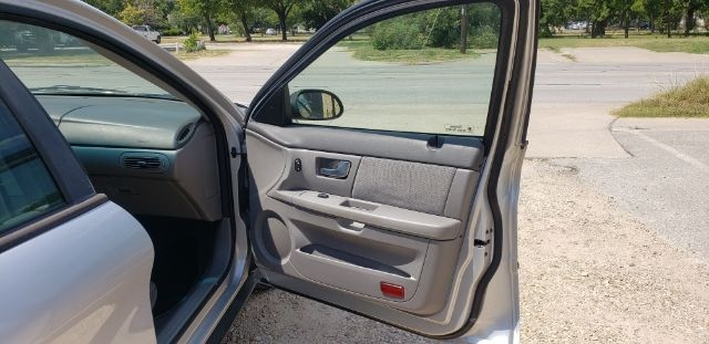 Ford Taurus 2000 price $4,000