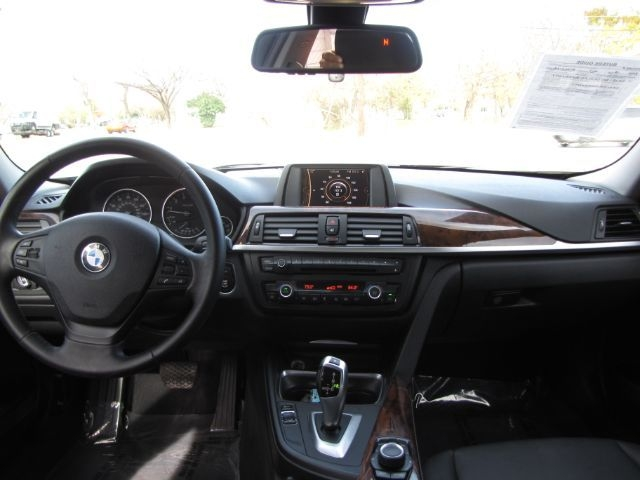 BMW 3-Series 2013 price $15,000