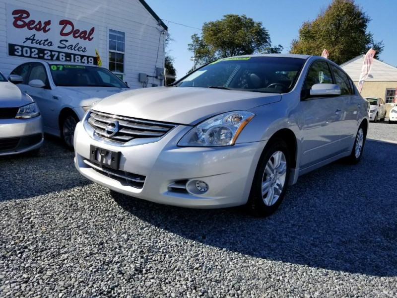 Nissan Altima 2011 price $9,900 Cash