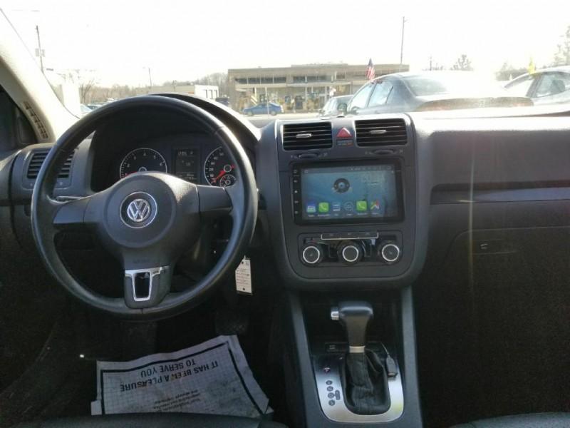 Volkswagen Jetta Sedan 2010 price Call For Price