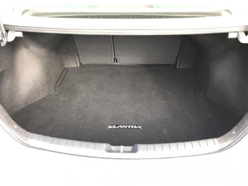 Hyundai Elantra 2017 price $14,900 Cash