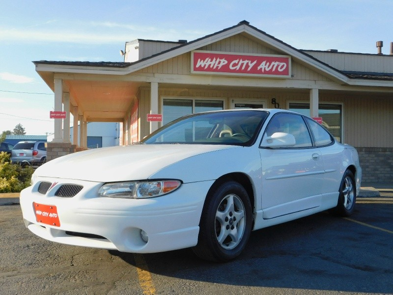 Pontiac Grand Prix 2000 price $2,995