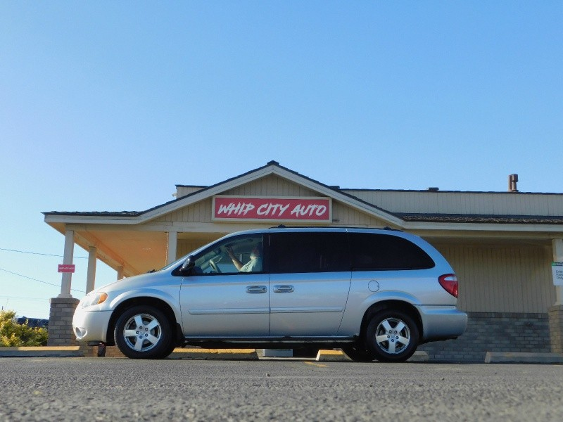 Dodge Grand Caravan 2006 price $4,995