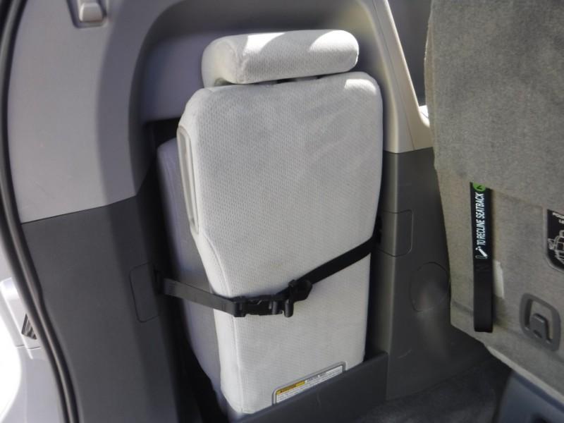 Toyota Sienna 2015 price $13,995