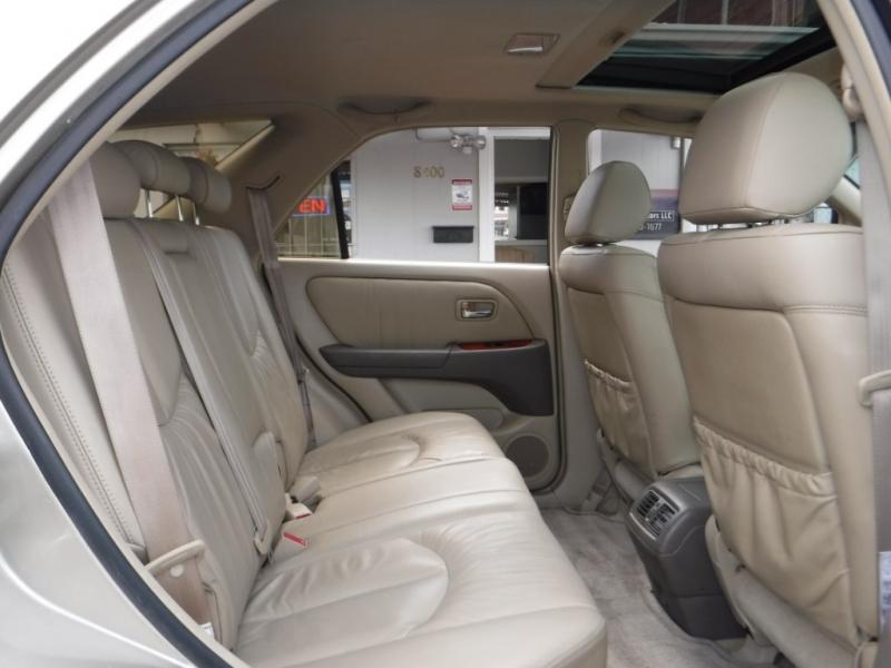 Lexus RX 300 2001 price $6,995
