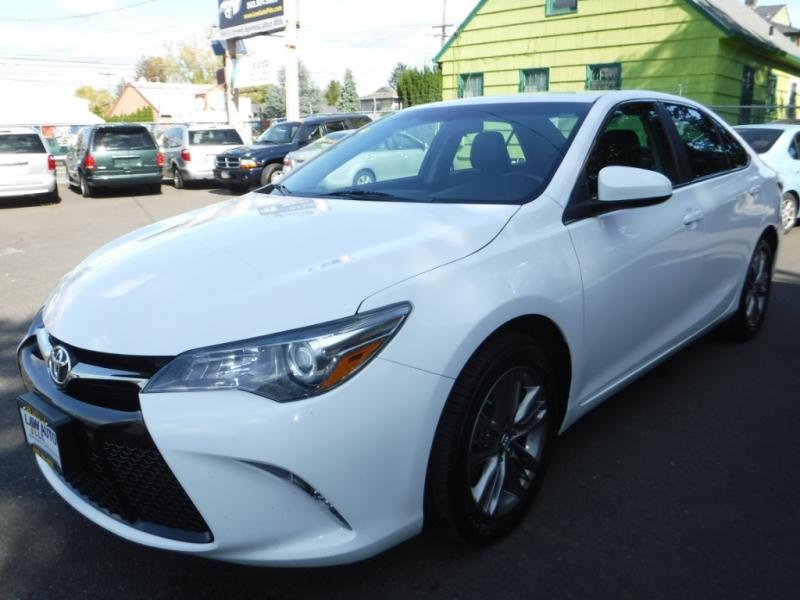 Toyota Camry 2016 price $13,850