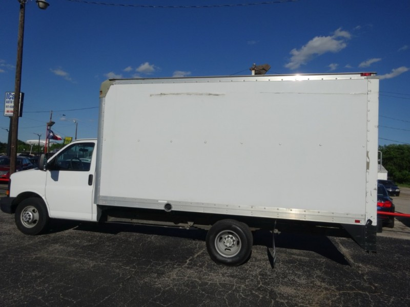 Chevrolet Express Commercial Cutaway 2011 price $17,900