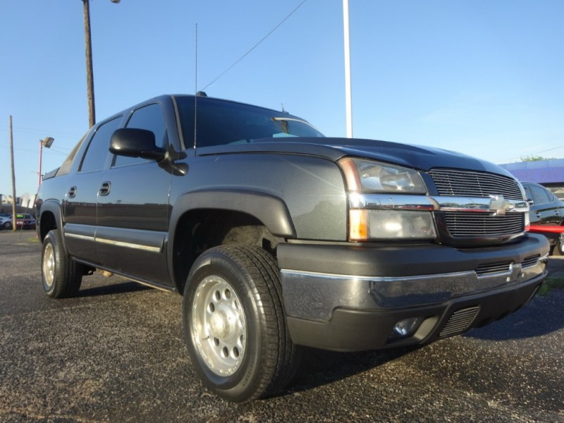 Chevrolet Avalanche 2004 price $7,950
