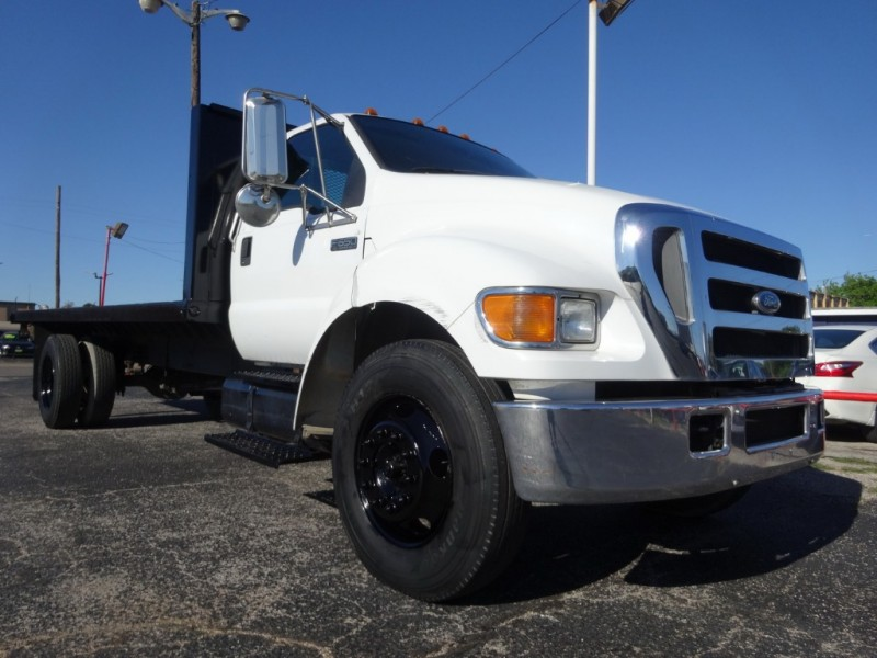 Ford F-650 2004 price $12,500