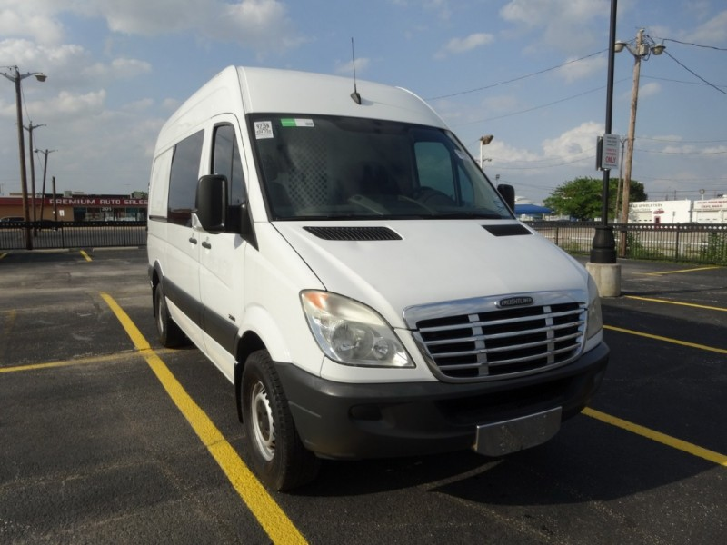 Mercedes-Benz Sprinter 2011 price $17,950
