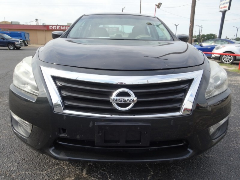 Nissan Altima 2014 price $8,950