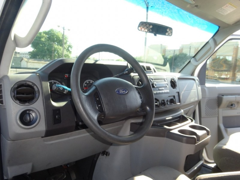 Ford Econoline Cargo Van 2010 price $12,950