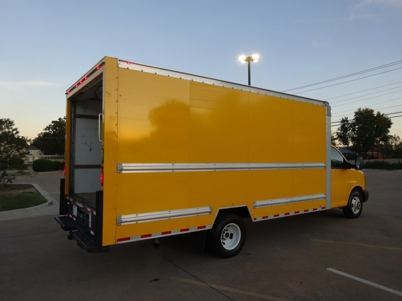 GMC Savana Commercial Cutaway 2016 price $15,900