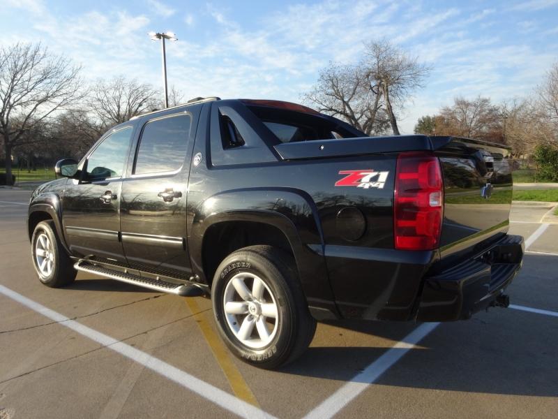 Chevrolet Avalanche 2013 price $17,950