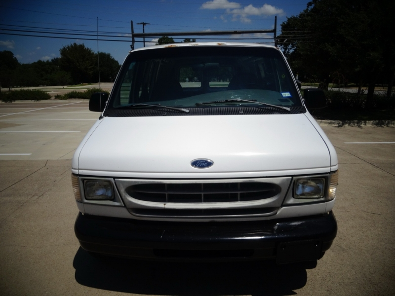 Ford Econoline Cargo Van 2000 price $3,595