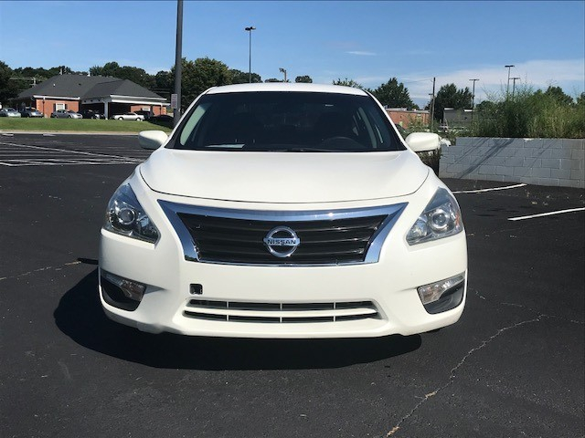 Nissan Altima 2015 price $11,400