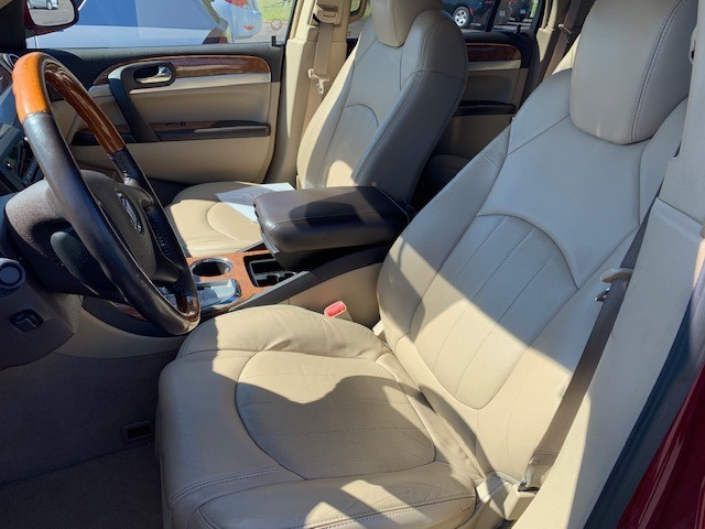Buick Enclave 2009 price $9,900