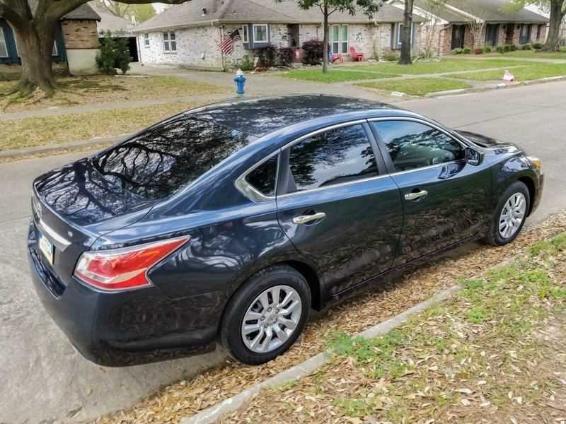 Nissan Altima 2015 price $11,988