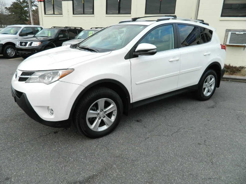 Toyota RAV4 2013 price $15,495