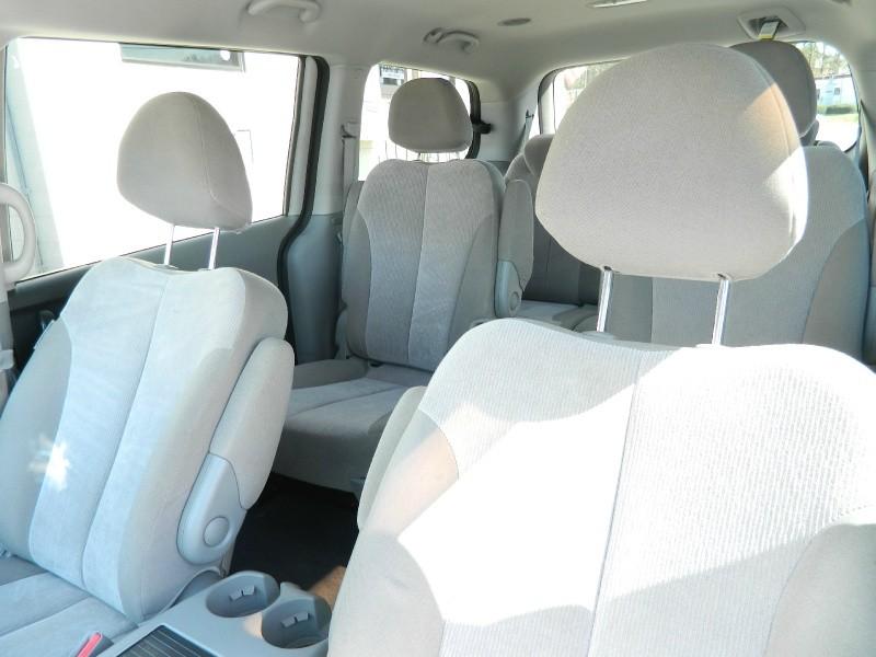 Kia Sedona 2014 price $8,495