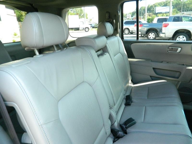 Honda Pilot 2011 price $9,750