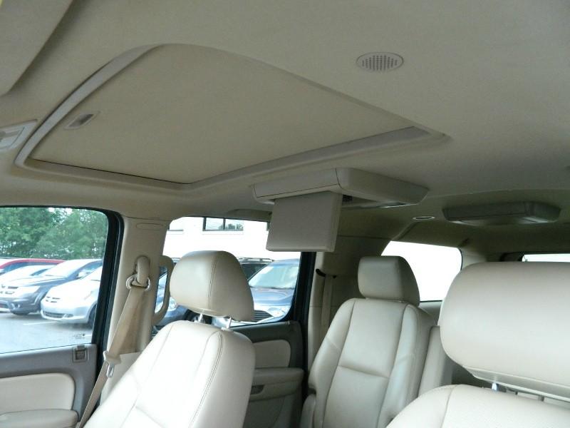 Chevrolet Suburban 2012 price $21,495