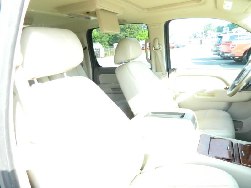Chevrolet Suburban 2012 price $19,995