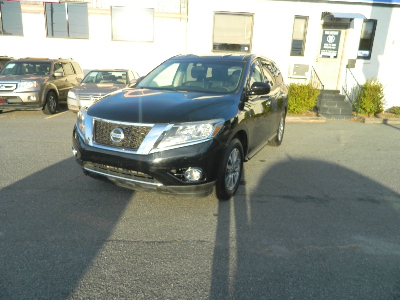 Nissan Pathfinder 2013 price $11,495