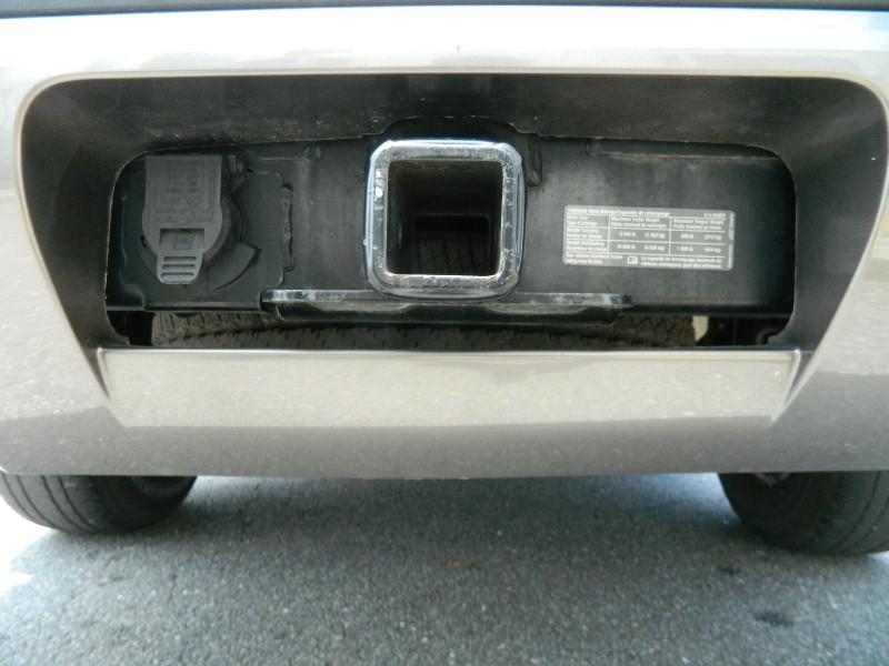 Chevrolet Suburban 2011 price $15,995