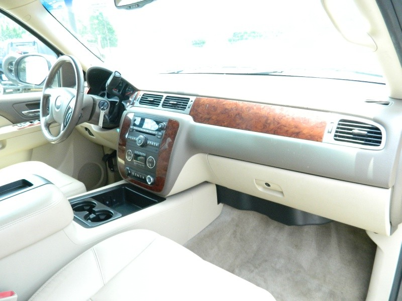 Chevrolet Suburban 2011 price $13,750
