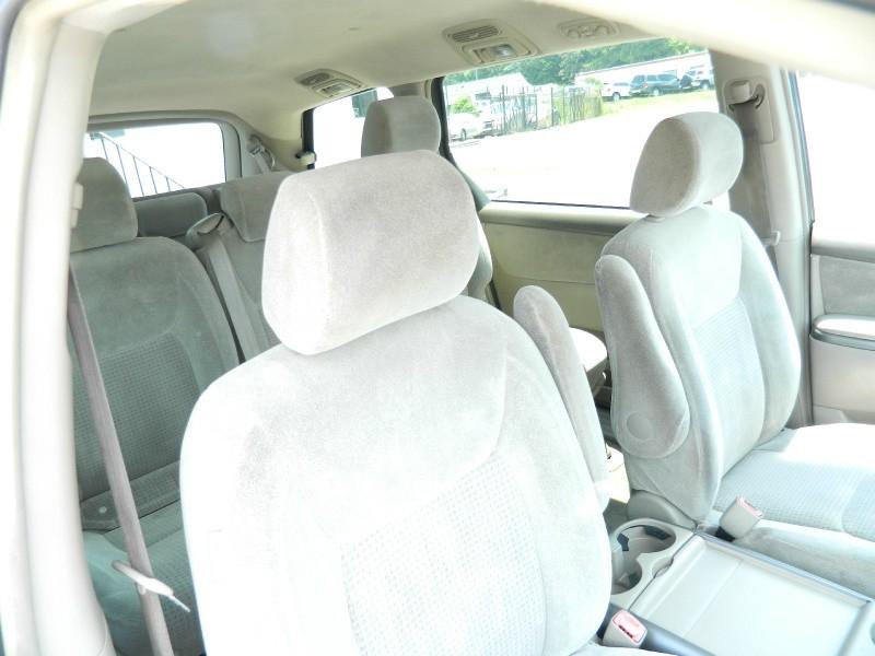 Toyota Sienna 2008 price $4,995