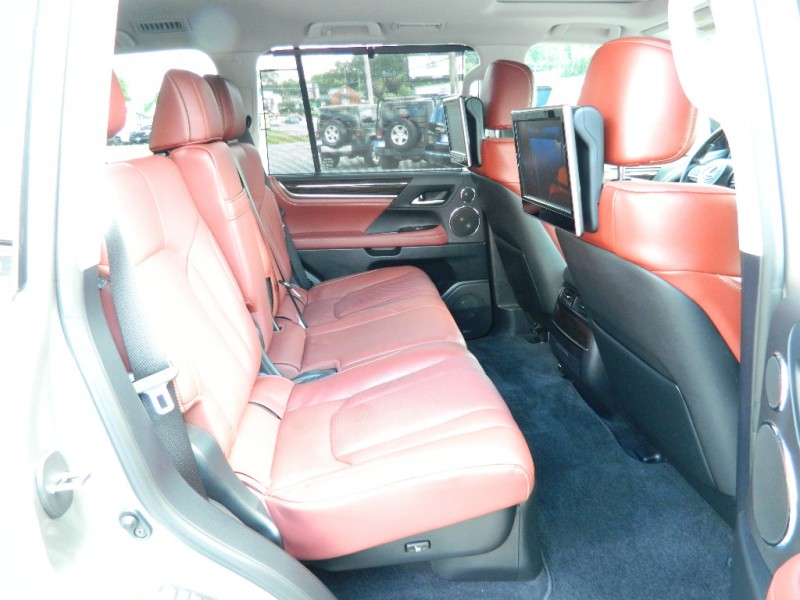 Lexus LX 570 2016 price $65,495