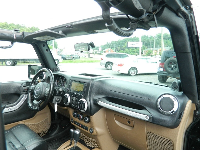 Jeep Wrangler Unlimited 2011 price $18,400