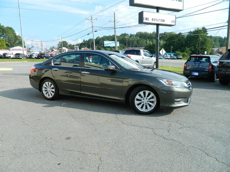 Honda Accord 2013 price $11,995