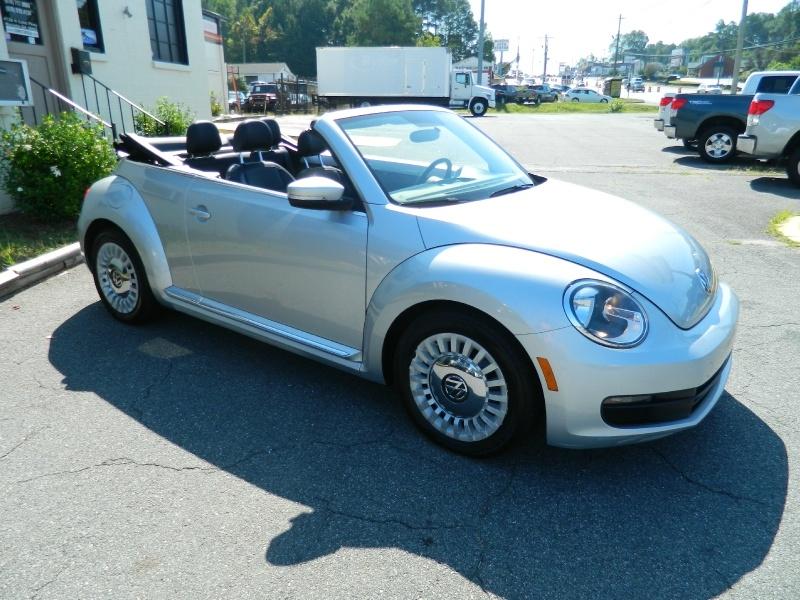 Volkswagen Beetle 2013 price $13,950