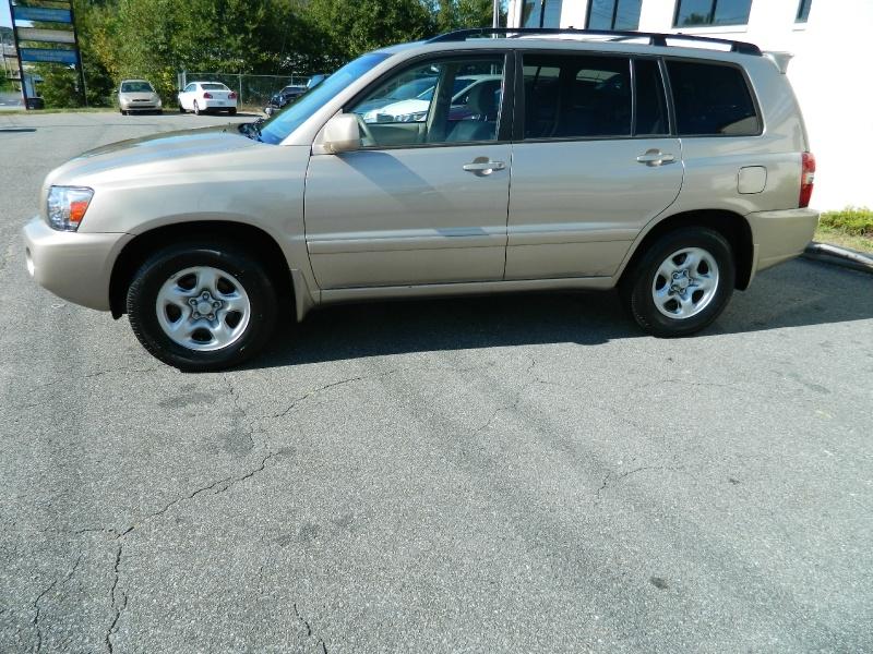 Toyota Highlander 2007 price $7,395