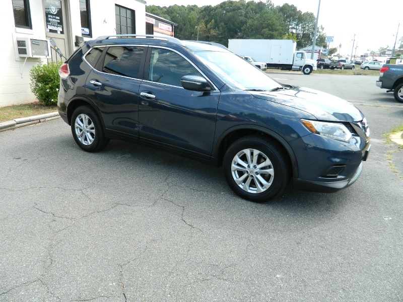 Nissan Rogue 2015 price $12,495