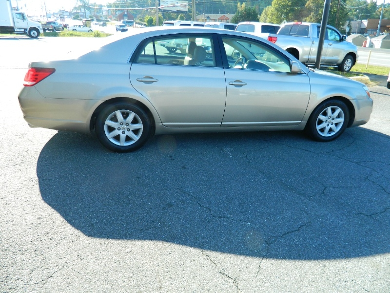 Toyota Avalon 2007 price $5,995
