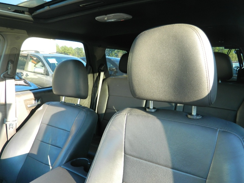 Ford Escape 2011 price $7,750