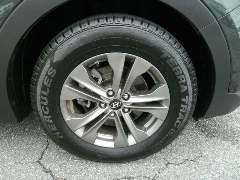 Hyundai Santa Fe Sport 2014 price $8,945