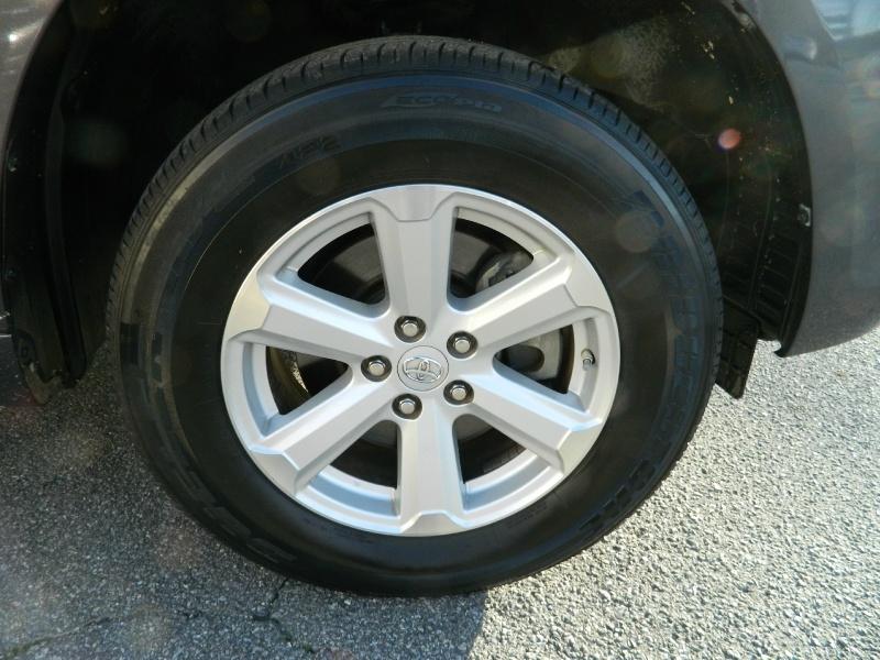 Toyota Highlander 2010 price $9,995
