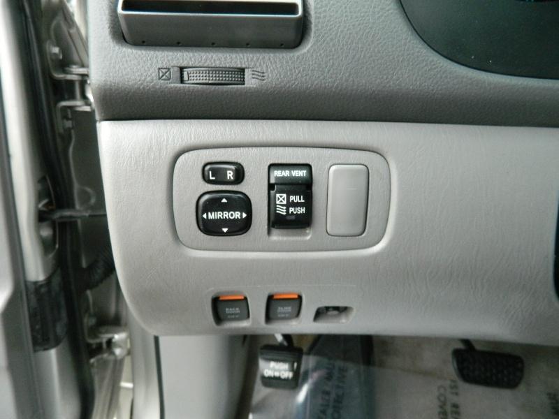 Toyota Sienna 2010 price $9,750