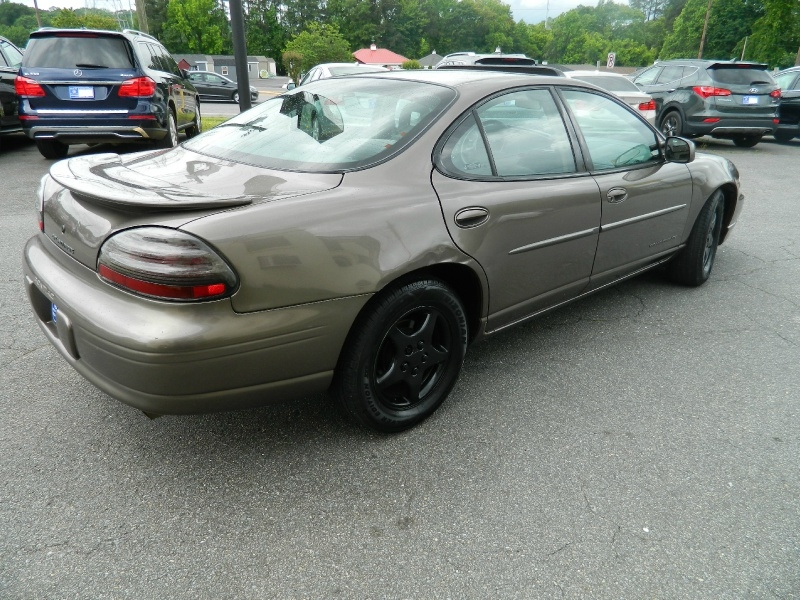 Pontiac Grand Prix 2002 price $1,995