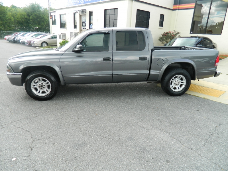 Dodge Dakota 2004 price $5,900