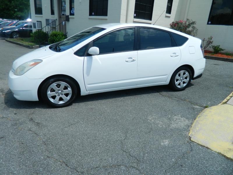 Toyota Prius 2004 price $4,495