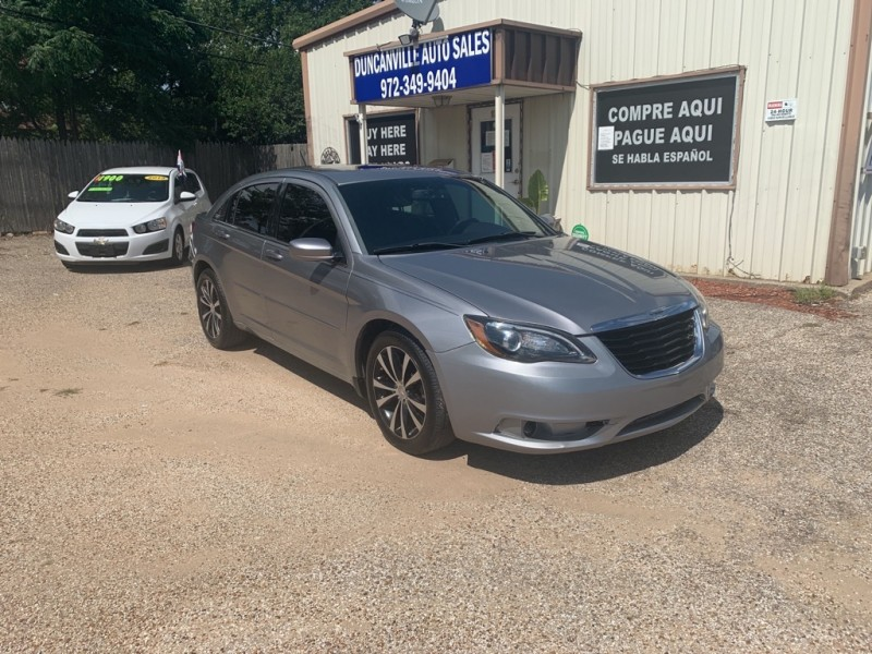 CHRYSLER 200 2013 price $6,900